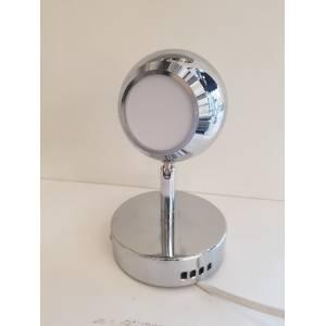 Mleczny klosz lampy punktowej z włącznikiem